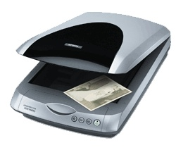 Escanner Epson Perfection 3170 Photo: Velocidad 15,2 mseg./línea (aprox.) (color, 3200 dpi, modo borrador)